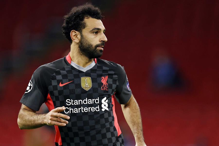 Mohamed Salah da positivo en COVID-19