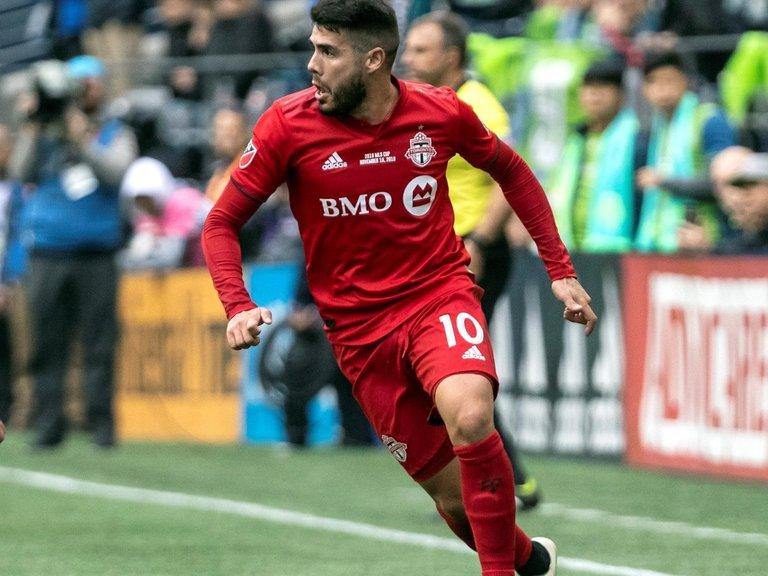 Pozuelo pone de nuevo líder al Toronto FC