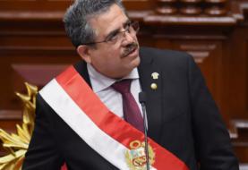 Peruanos se manifiestan en contra de Merino y piden regreso de Vizcarra