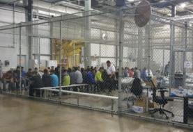 EEUU cierra un centro en el que detuvo en jaulas a niños migrantes