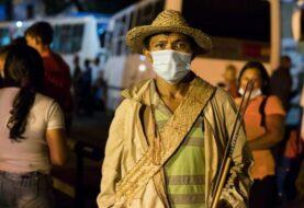 Indígenas venezolanos llegan a Miraflores para reclamar sus derechos a Maduro