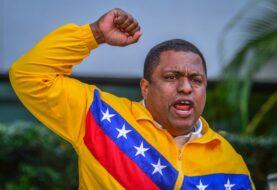 Exilio venezolano aseguran que Maduro está solo con los militares