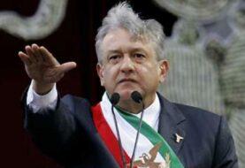 """López Obrador critica coalición opositora: """"Representan al antiguo régimen"""""""