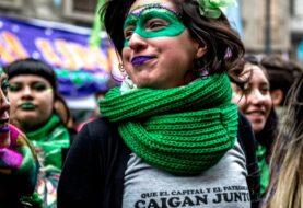 Marea verde celebra el avance de la ley del aborto en Argentina