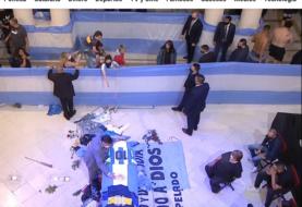 No ha muerto un empleado funerario que fotografío el cadáver de Maradona