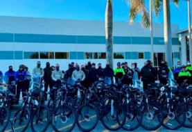 Policías en bicicleta recorren Miami-Dade contra violencia por armas de fuego