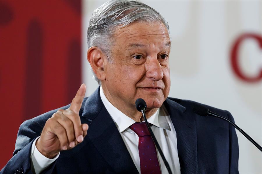 Presidente de México pide evitar fiestas navideñas, pero no decretará medidas