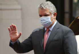 Críticas a Duque por plan de excluir de vacunación contra el Covid-19 a venezolanos irregulares