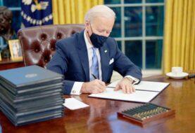 """Biden elimina el """"botón rojo"""" para recibir coca colas que puso Trump"""