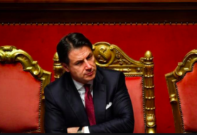 Primer ministro italiano Conte dimite y el presidente inicia consultas