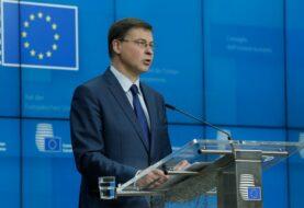 Las vacunas producidas en la UE solo podrán exportarse con su autorización