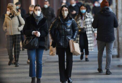 Quinta ola de coronavirus causa estragos en Valencia, España