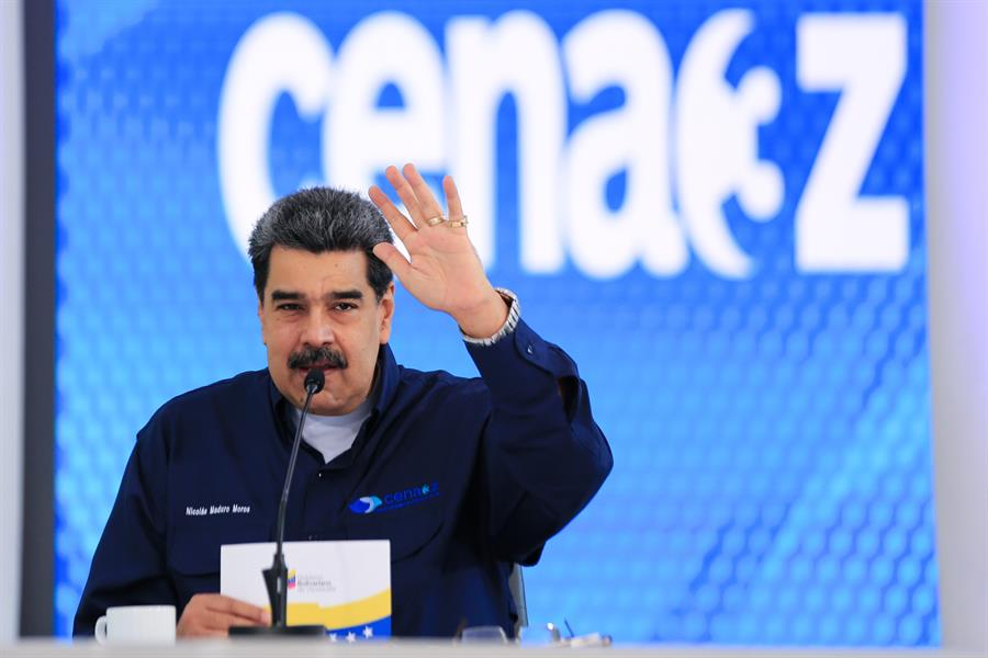 Maduro dice que donó a Brasil 14.000 bombonas de oxigeno