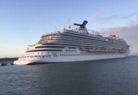 Carnival alarga la suspensión de viajes de sus barcos en EEUU y Europa