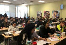 Académicos piden evaluaciones en idioma nativo a estudiantes inmigrantes en EEUU