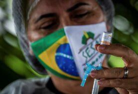 Brasil arranca la vacunación masiva contra la covid en un municipio