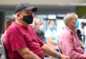 """López Obrador pide a mayores de 60 años que tengan """"confianza"""" en la vacuna del coronavirus"""
