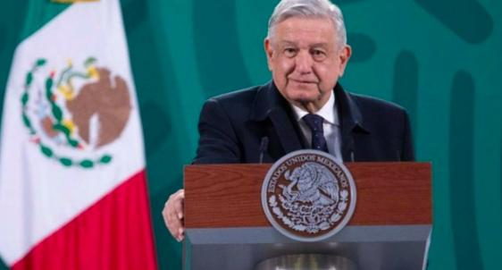 Tribunal anula el veto que impedía a López Obrador hablar de elecciones