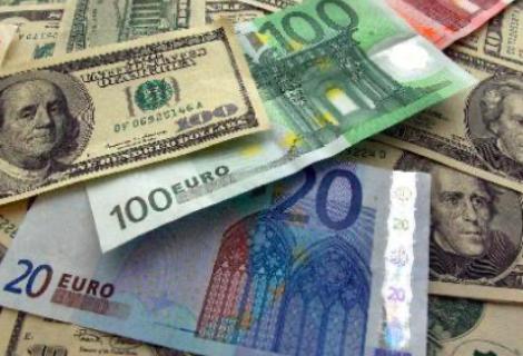 Euro sube tras el aumento de los subsidios por desempleo en EEUU