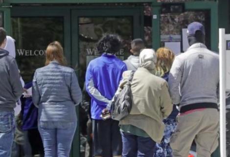 Bajan a 730.000 las solicitudes semanales de subsidio por desempleo en EEUU