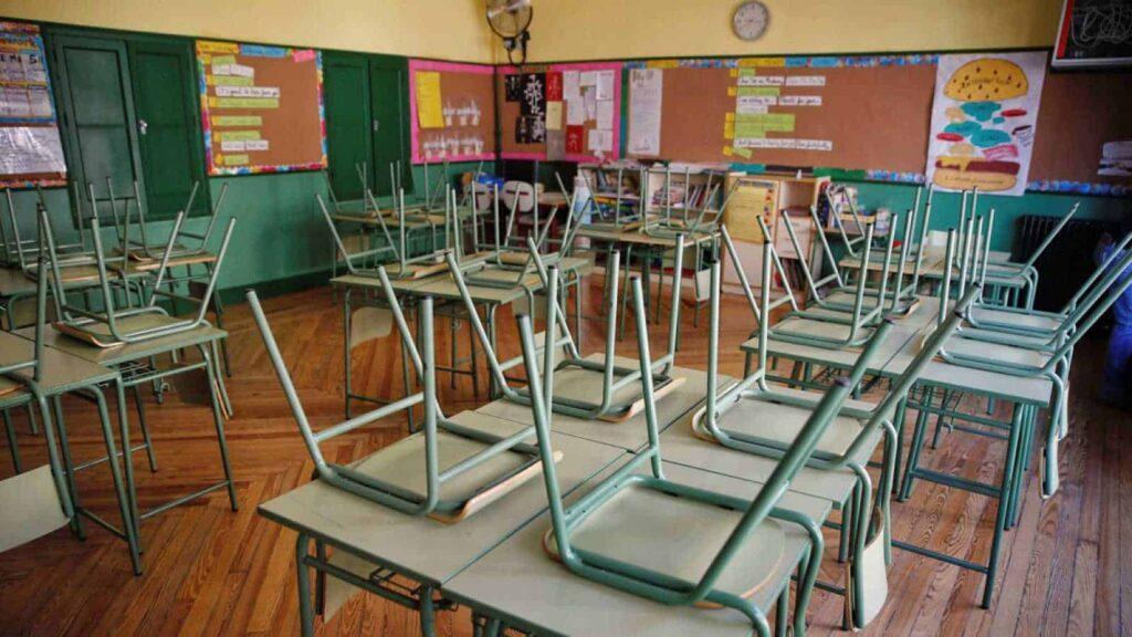 Dos tercios de los países más pobres recortan en educación en la pandemia