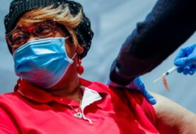 EE.UU. acumula 490.160 muertes y 27.820.237 contagios por covid-19