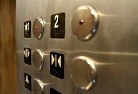 El riesgo de contagio por tocar pulsadores públicos es bajo, según un estudio
