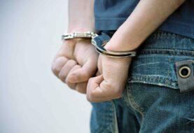 Hombre es condenado a 45 años de cárcel por abusos y fotografías sexuales de niño sordo