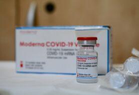 La CE confirmó que Moderna reducirá las vacunas en febrero