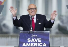 La administración de Trump intentó parar los registros a Giuliani