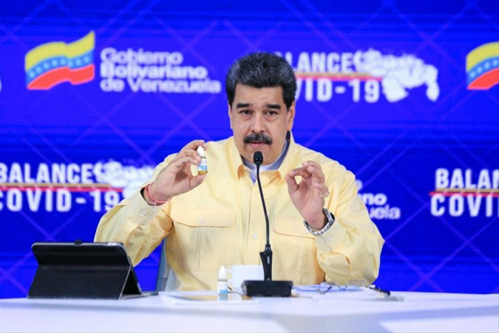"""Maduro acusa a Zuckerberg de """"abusador"""" por """"censura"""" a un fármaco sin aval"""