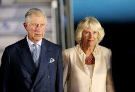 Príncipe Carlos y Camilla han sido vacunados contra la covid-19