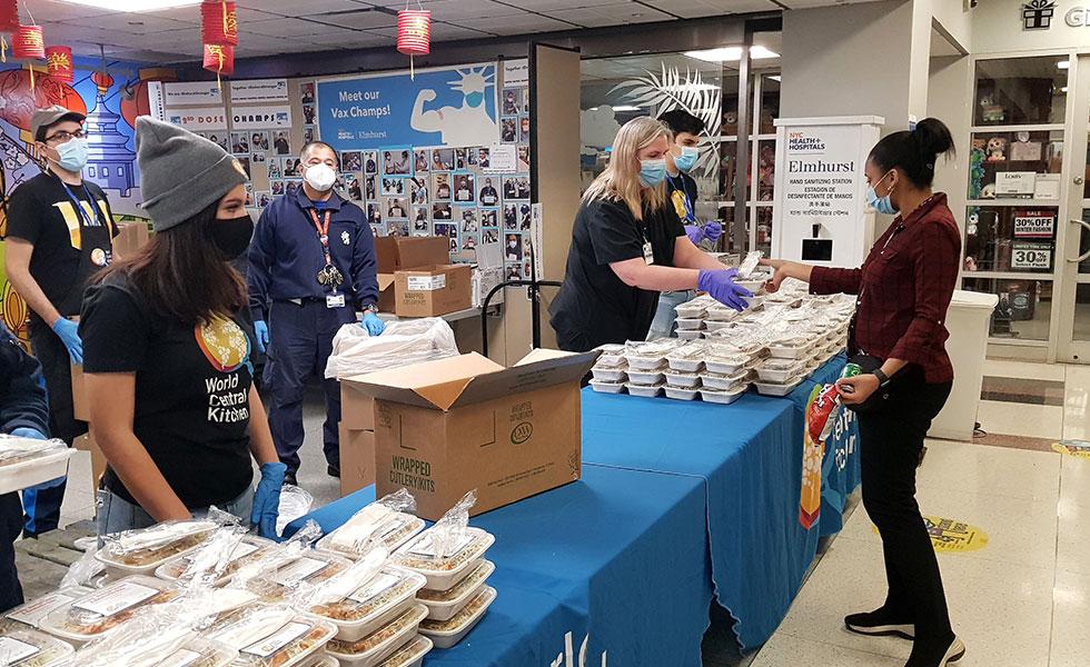 Salvar restaurantes para alimentar al personal sanitario de Nueva York