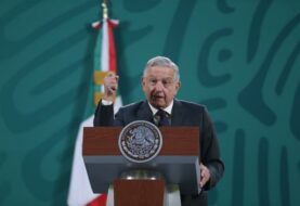 """López Obrador pide a los gobernadores un """"acuerdo nacional"""" ante los comicios"""