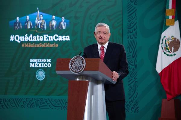 López Obrador insiste en que buscan linchar a candidato acusado de violación