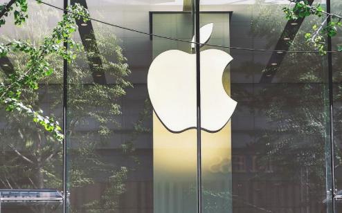 Apple reabre todas sus tiendas en EE.UU.