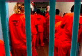 Denuncian freno de Florida a exreos inmigrantes para restaurar su estatus