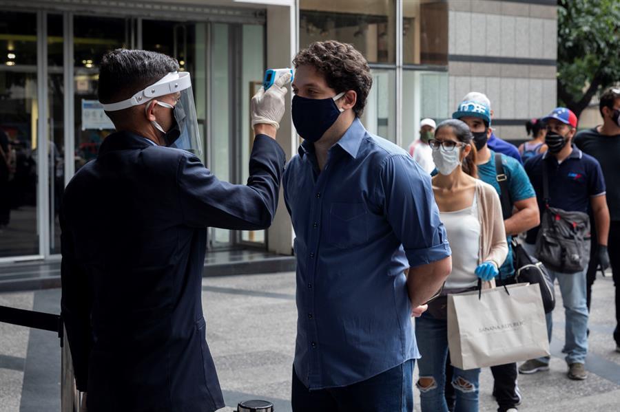 Venezuela añade 377 nuevos casos de covid-19