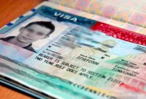 COVID-19 y políticas de Trump demoraron trámites de visas