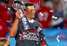 Tom Brady renueva con Buccaneers hasta la temporada 2022