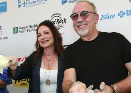 Mayor hospital de Miami honra a sus trabajadores con ayuda de Gloria Estefan