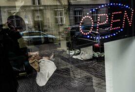 Europa mantiene las restricciones por el covid por el repunte