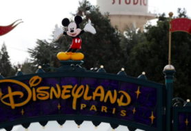 Parque Disneyland París aplaza sin fecha su reapertura
