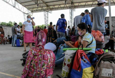 Sube a más de 6.000 los venezolanos desplazados a Colombia