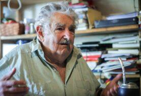 Mujica quiere dejar hospital tras pasar buena noche