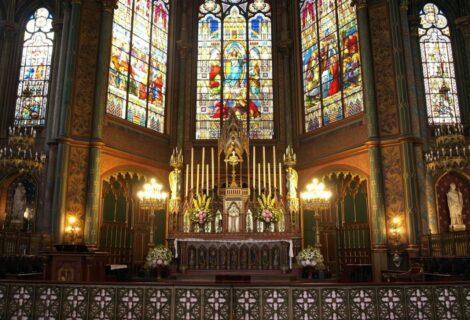 Cura fue detenido por celebrar una misa sin medidas anticovid