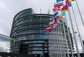 "Funcionarios europeos se reunieron con delegación de Maduro ""a petición suya"""