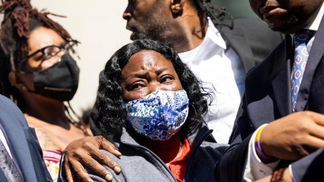Un policía en EEUU disparó al afroamericano Brown en la nuca