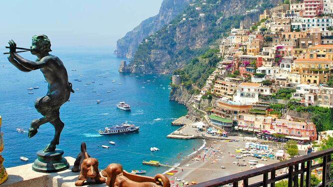 Italia planea ofrecer islas inmunizadas para atraer al turismo