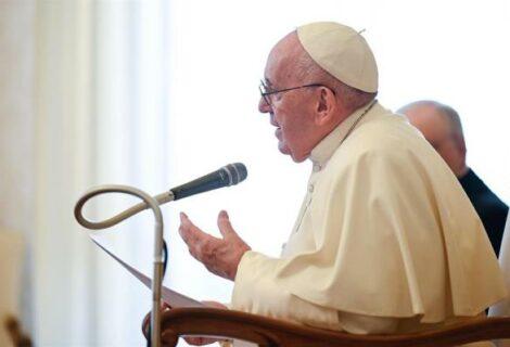 El papa pide una vacunación solidaria donde no prevalezca la ley del mercado